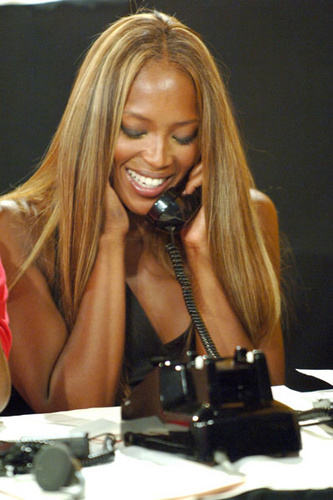 naomi_campbell_old_phone_500.