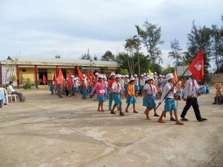 Trường Tiểu học Ngô Mây - xã Tam Tiến - đạt chuẩn Quốc gia.