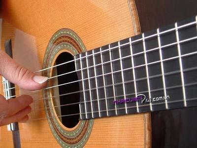 4a935ba1_030c4f70_guitar1_400