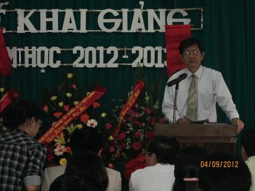 lanh_do_tinh_an_tuong_voi_thanh_tich_cua_truong_500