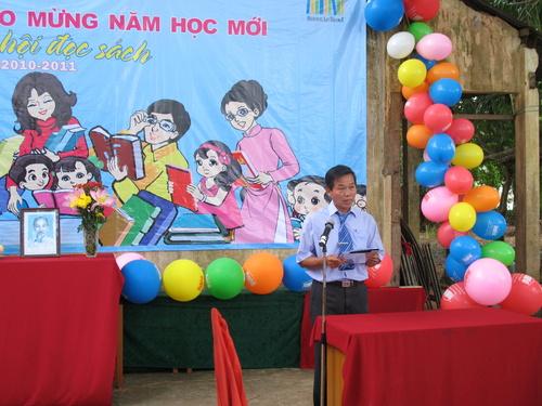 Ông Trần Văn Tươi - Chủ tịch Công đoàn cơ sở trường TH Ngũ Hiệp 2 phát động thi đua năm học 2010-2011