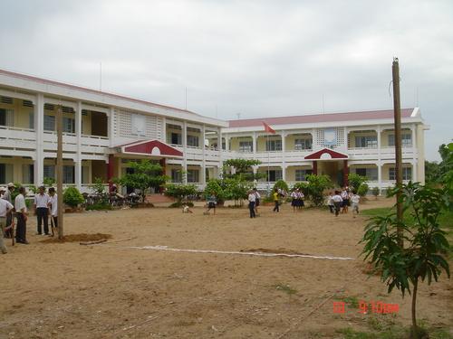 Trường Tiểu học Bình Phú 2