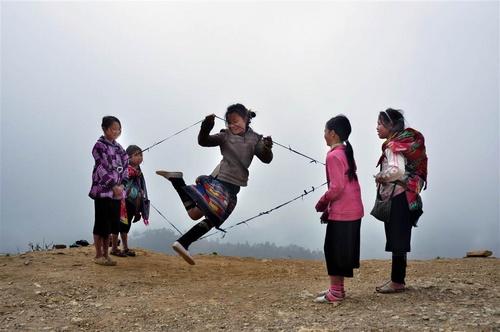 hc_vang_vu_dieu_tren_may_nguyen_binh_lao_cai_500