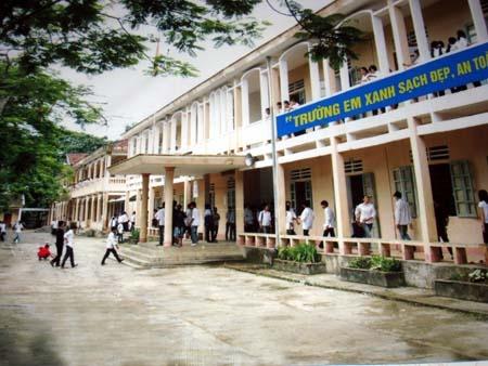 Trường THCS thị trấn Hương Khê