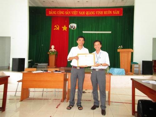 Trường Nguyễn Thị Định họp giao ban tháng 11 năm 2015